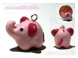 Tiny Elephant charm by xsweettoothx