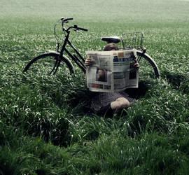S'allonger dans l'herbe by Cumulonymbus