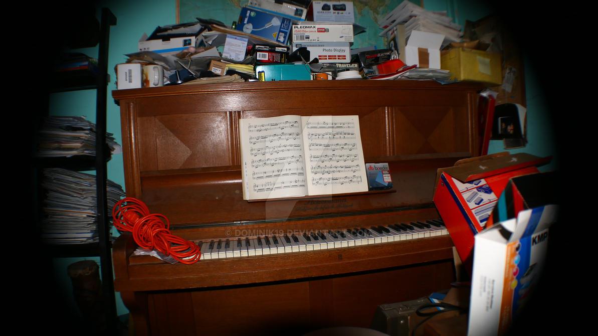 PIANO by Dominik19