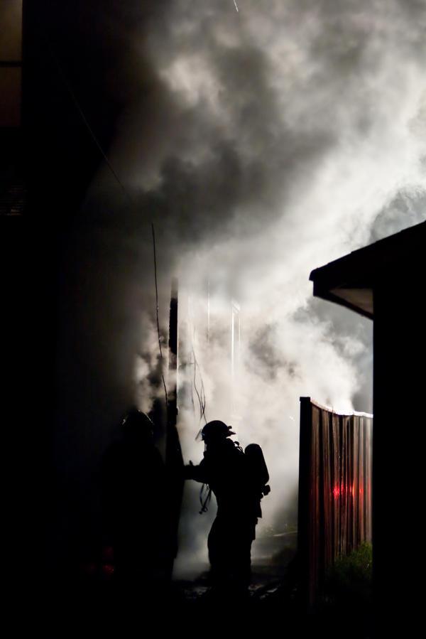 http://fc02.deviantart.net/fs70/i/2011/155/a/1/house_fire_by_maltfalc-d3i0mew.jpg