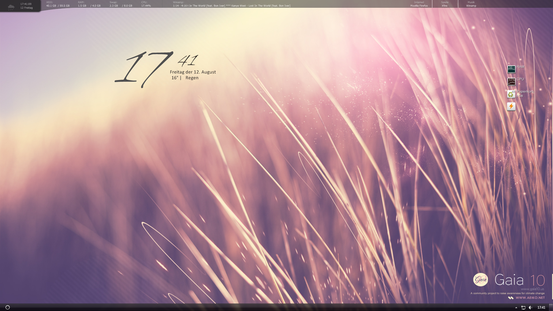 Desktop August '11 by MadMilov2