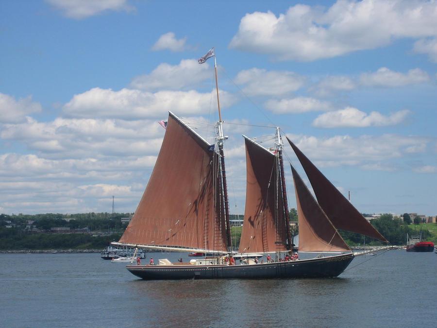 Tall Ship - Roseway by Aeltari