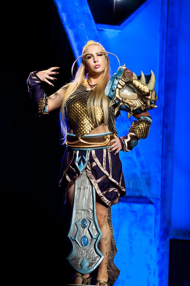 Female Nozdormu - On Stage by Winged-warrior