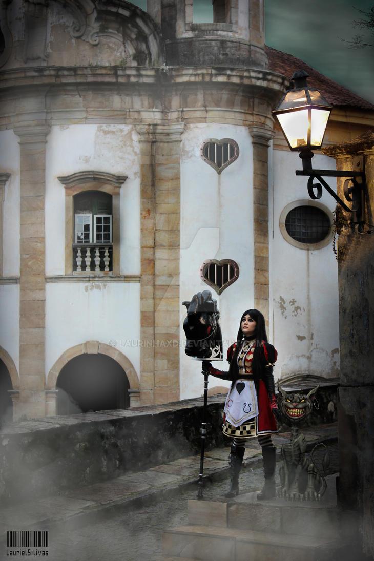 Alice returns to Wonderland by LaurinhaxD