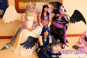 Canterlot Royalty by Chochomaru