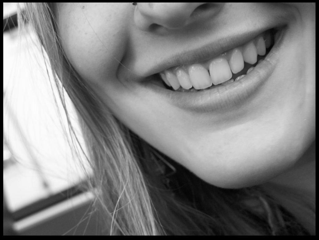 Smile by bayb-kiedis