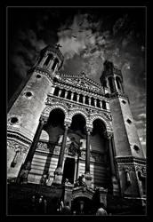 Notre-Dame de Fourviere by xMEGALOPOLISx