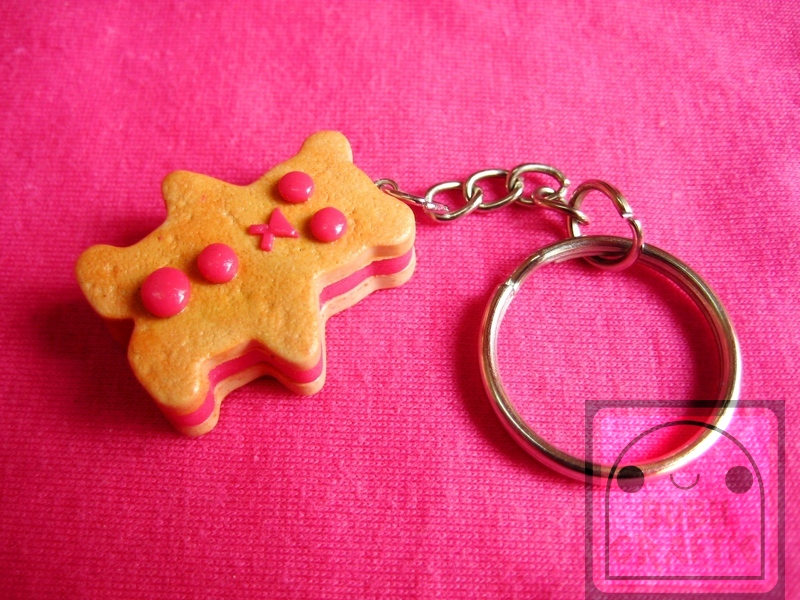 Strawberry Bear Cookie Keychain by efeeha