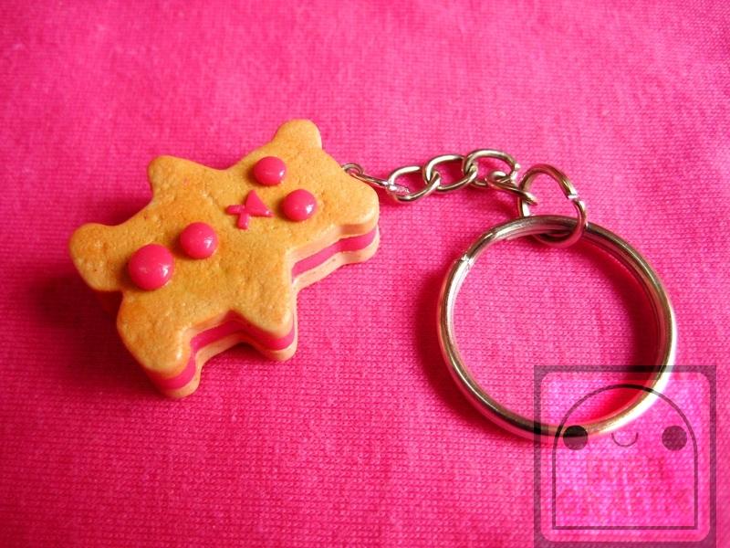 Strawberry Bear Cookie Keychain by efeeha