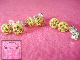 Chocolate Chip Cookie Studs by efeeha