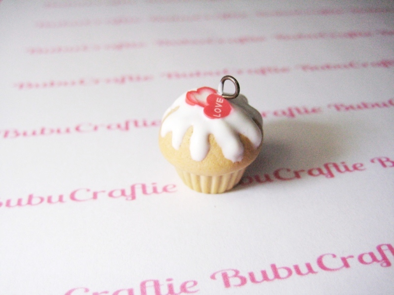 Lots of Love Cupcake Charm by efeeha