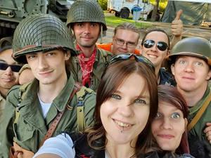 Army show Selfie