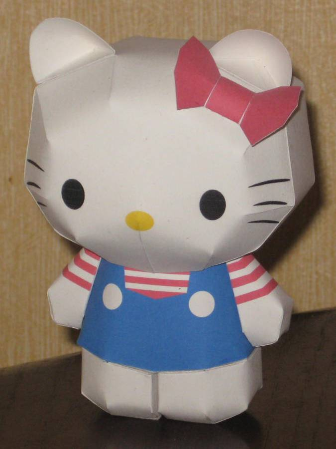 Hello Kitty papercraft by paperart