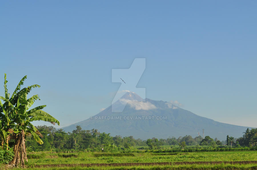 Merapi Mountain by raffdaime