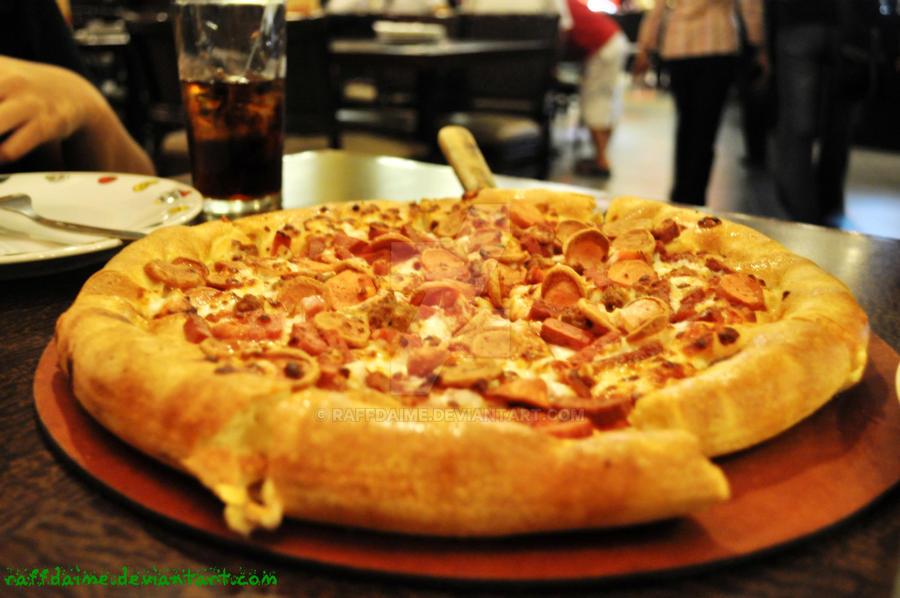 Pizza by raffdaime