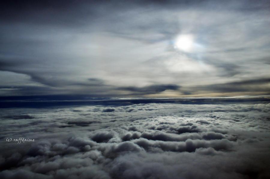Upside Sky by raffdaime
