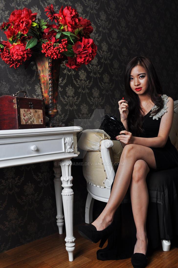 Lady in black by raffdaime