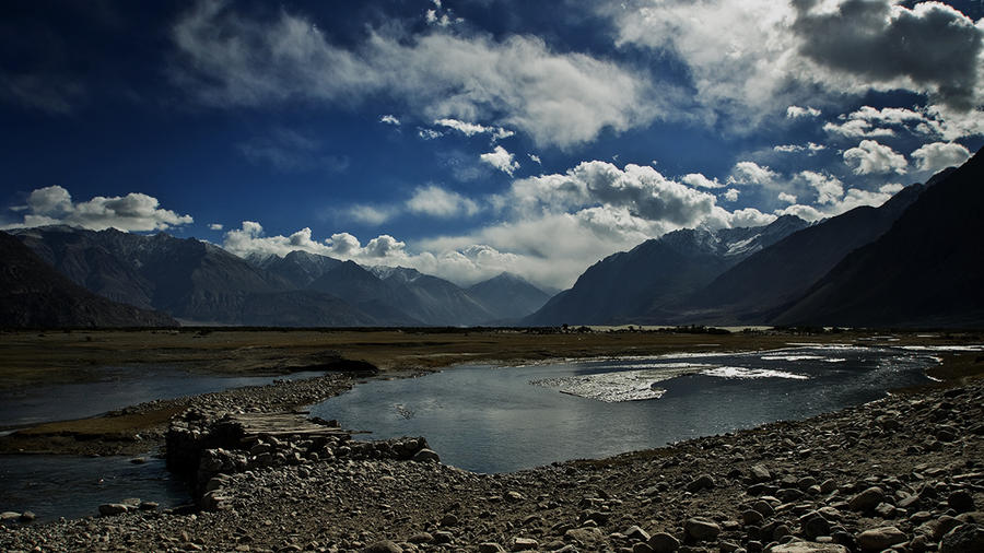 Siachan River by PasoLibre