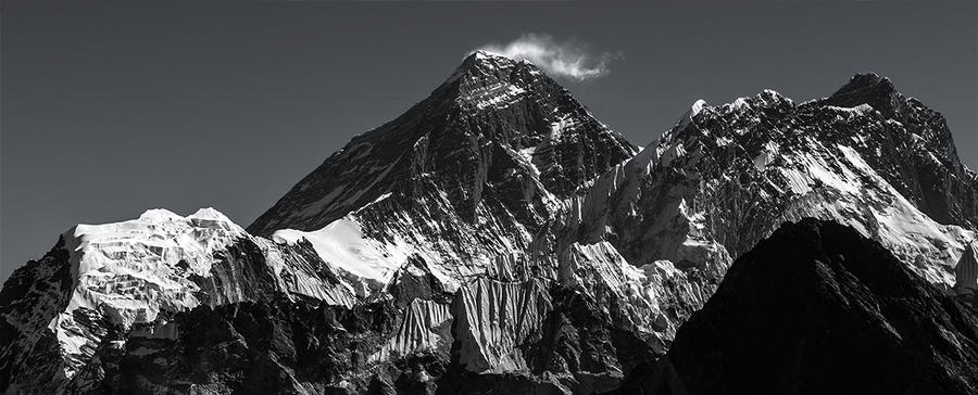 Sagarmatha - Everest by PasoLibre