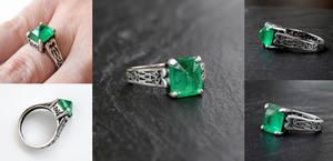 Emerald Spike Ring