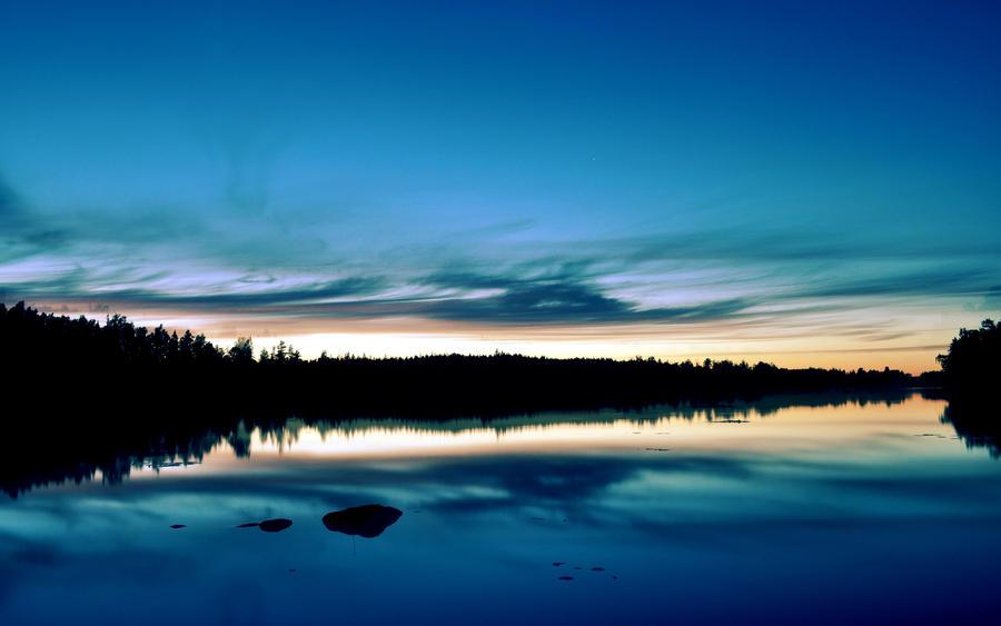 Night Sky over Vismen by silence2