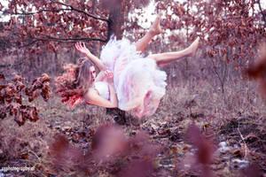 Falling Apart - Rise and Fall by CorneliaGillmann