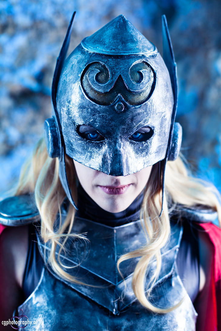 Female Thor Cosplay - Photography by CorneliaGillmann