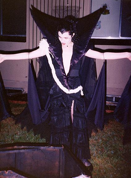 Dark Lily Legend Dress Rytir