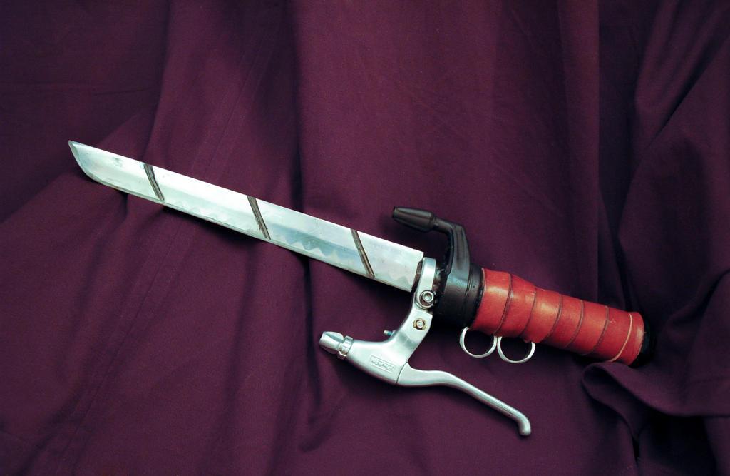 Attack on Titan Dagger by ArloWalker