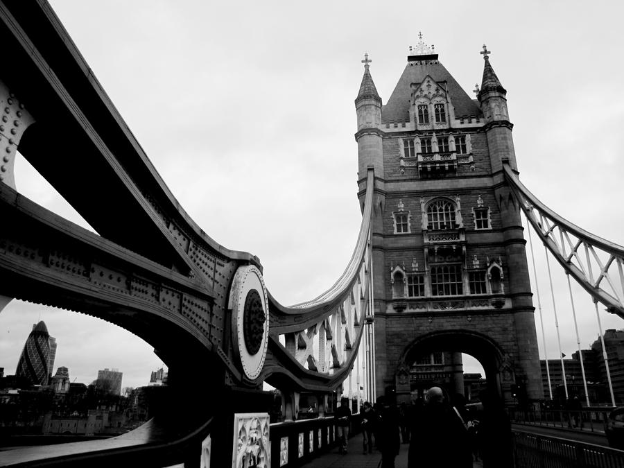 Tower Bridge by zammechat