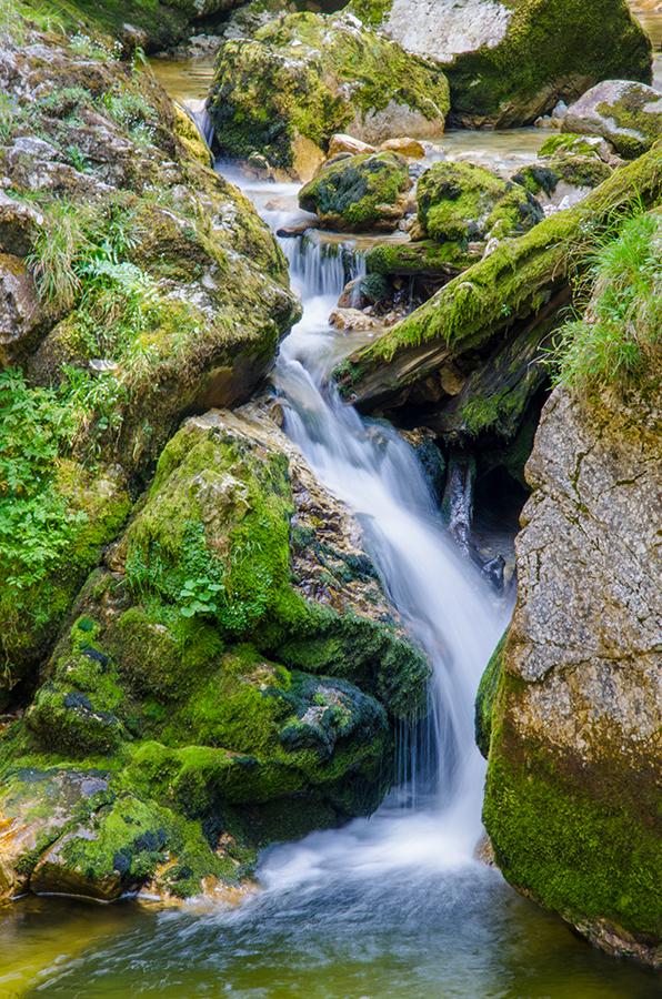 Waterfall by roarbinson
