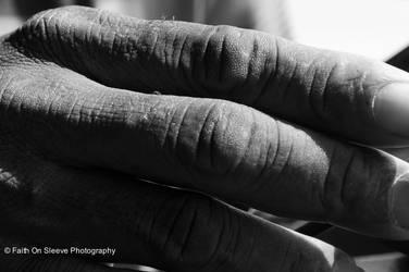 fingers by dreamsborninfire