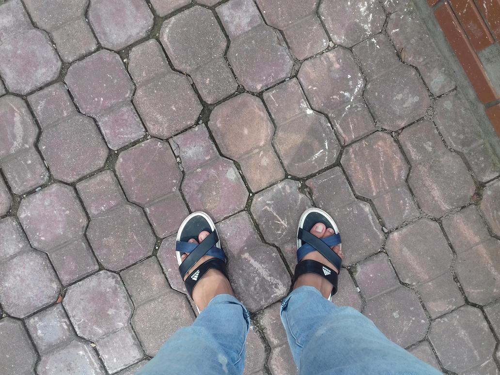 standing alone by phuongdonghylnct