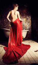 In red by Arwenphoto