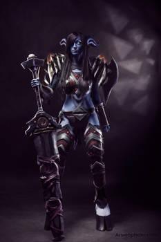 Draenei Warrior. World of Warcraft.