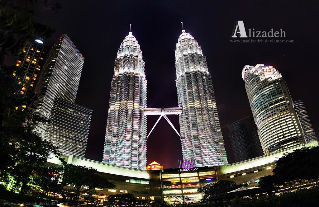Petronas Towers by msalizadeh