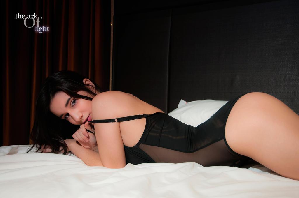 Sexy Look by arcadeluz
