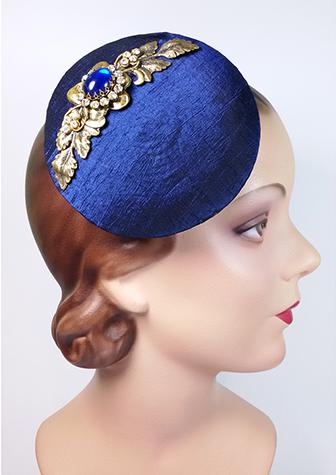 Elegant classic fascinator by Sundry-Art