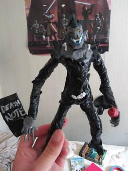 Ryuk figure