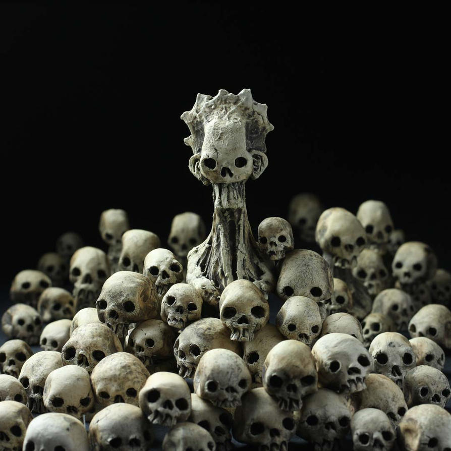 Broodmother and Skulls Installation by DugStanat