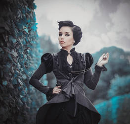 Miss Peregrine by MariannaInsomnia