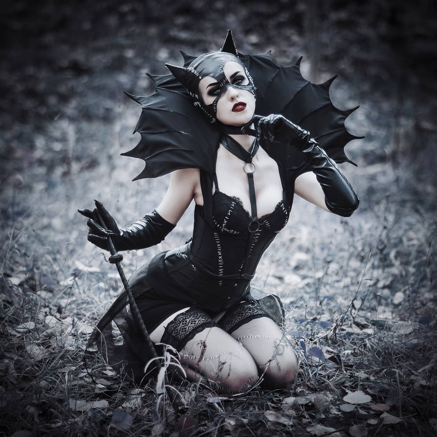Catwoman by MariannaInsomnia