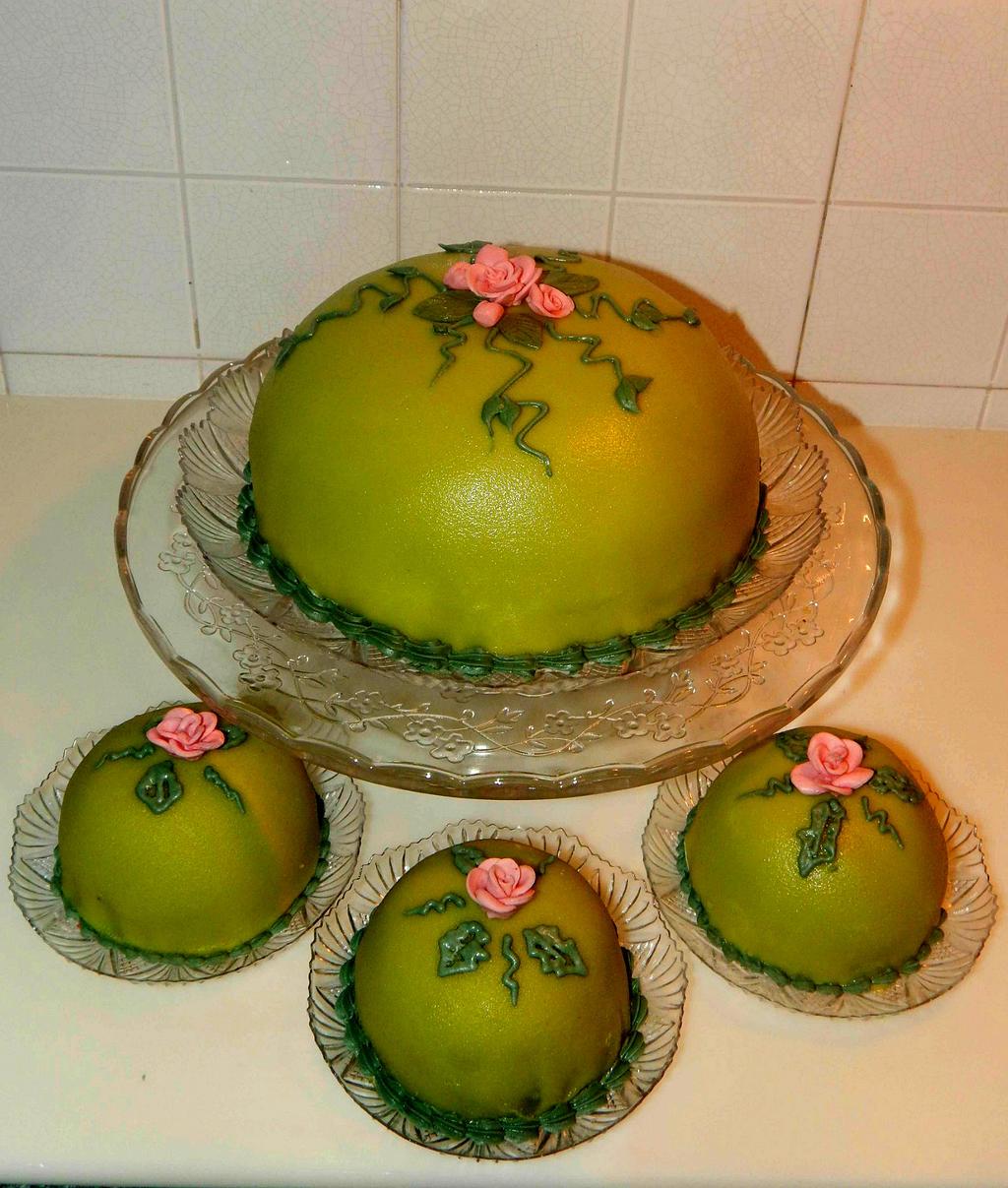 Swedish princess cakes