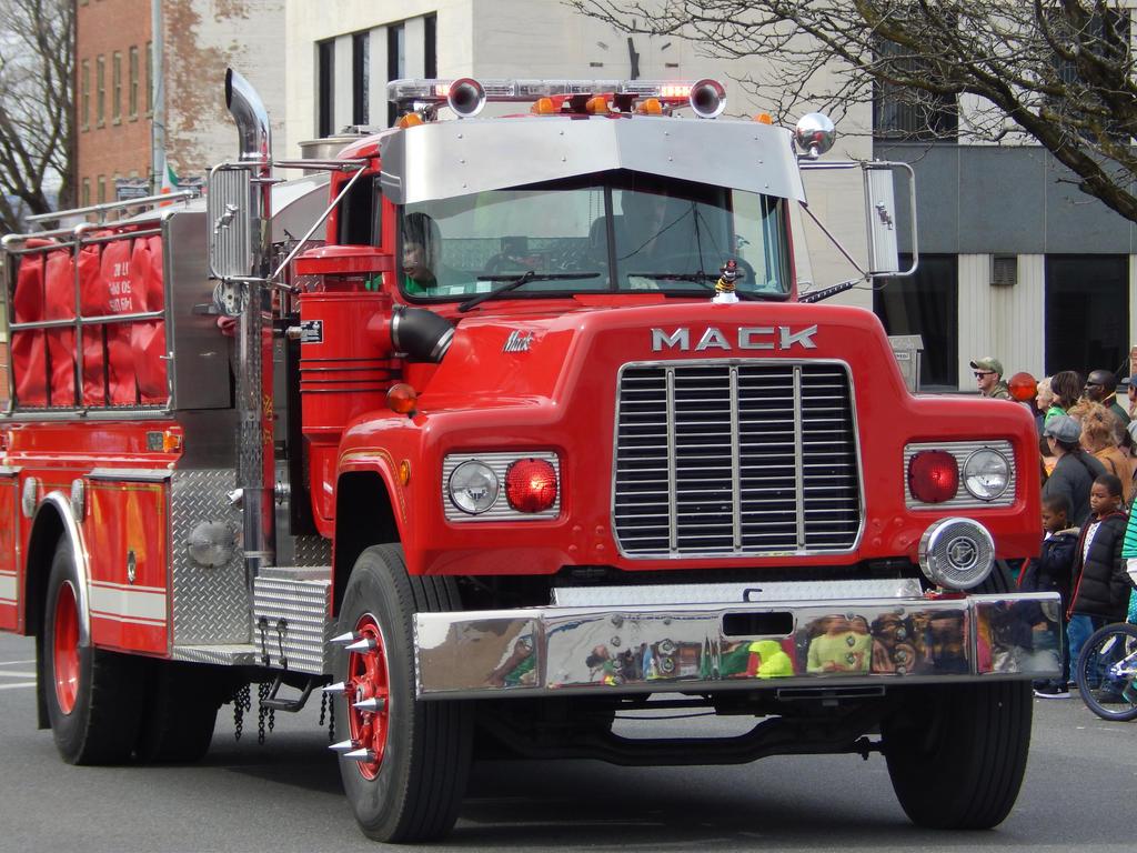 West Hurley Fire Dept Mack R Tanker by Tracksidegorilla1