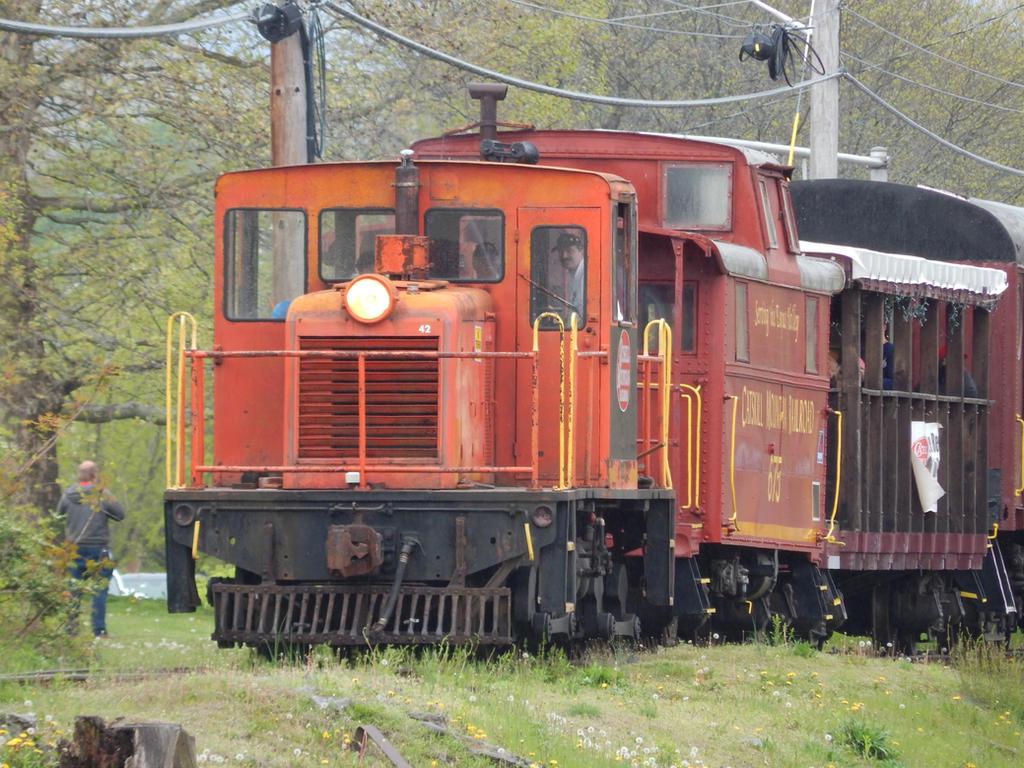 Catskill Mountain Railroad 90T #42 by Tracksidegorilla1