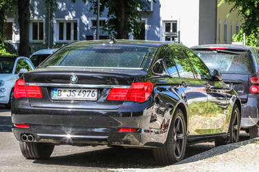 BMW 740i F01 (Berlin, 2021) 05
