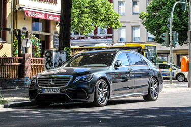 Mercedes-Benz S 63 AMG 4MATIC W222 (Berlin2021) 03