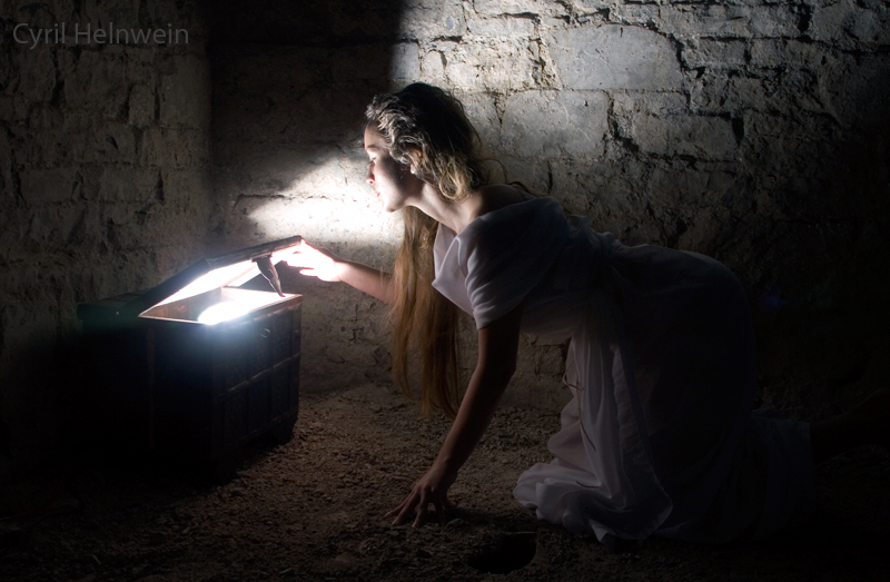 Pandora by Cyril-Helnwein
