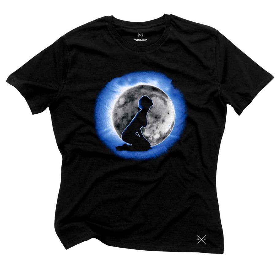 'Howling Mad' t-shirt by Cyril-Helnwein