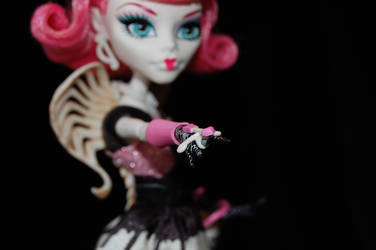 Cupid Taking Aim